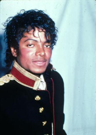 MJ'S 52 BIRTHDAY IS COMEING!!SHOW UR LOVING দ্বারা WISHING HIM A HAPPY BIRTHDAY!!