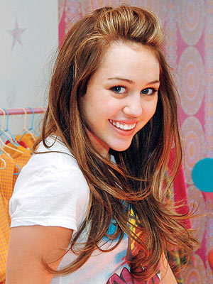 miley cyrus i Amore te so much here is the pic and link http://4.bp.blogspot.com/_aOVUVB-gmBA/TOsRSMqcqxI/AAAAAAAAwOA/0drUQRWGlBM/s1600/Miley_Cyrus_Birthday_14.jpg http://www.popherald.com/wp-content/uploads/2010/11/miley-cyrus-so-undercover-288x300.jpg