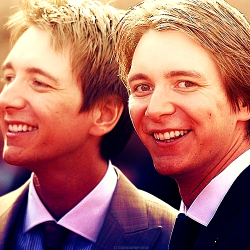 Fred and George Weasley... well James and Oliver Phelps ♥
