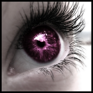 i would প্রণয় to have dark purple eyes!!