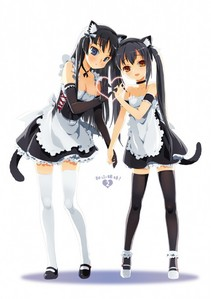 I realize someone has ilitumwa a picture of Mio already. Here's one with Azu-nyan though.
