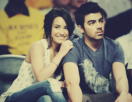 I think they made so adorable most cutest couple They should come back! Jemi [b]Forever[/b]