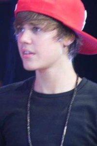 Justin Bieber :]