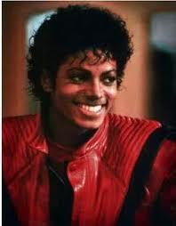 Michael also wore a great amount of red too!! I think it was his সেকেন্ড best color!! He looked quite cute in it too!!