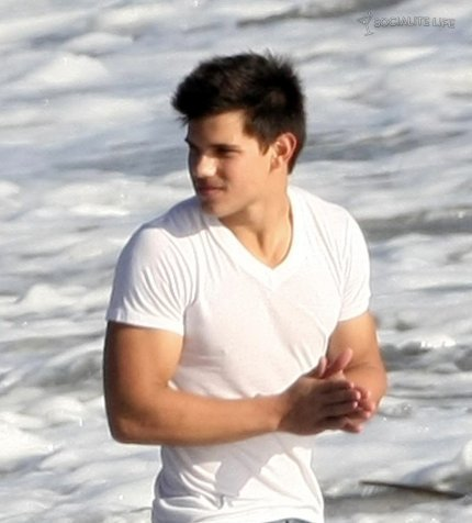 Who is cute? Taylor Lautner or Tyler Posey? - Twilight ...