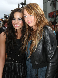 """Here it is: """"MILEY & """"DEMI"""""""