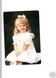 dirty blonde hayley when she was young:D