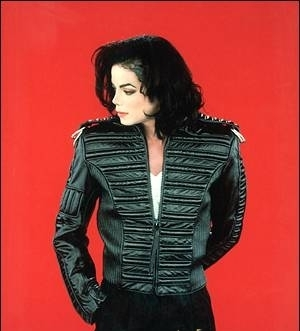 Imagine wewe had the chance to go to a BALL with Michael! Post a PICTURE of MJ wearing something wewe would have wanted him to wear on that night with you.