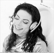 i know the public have seen u as a weirdo n a pedofile but i c u as a perfect luving sweet man who would never rape hoặc molest any child boy hoặc girl i luv u sooo much n no matter wat the press hoặc any mj hater say i will never stop luving u u will always b in my tim, trái tim