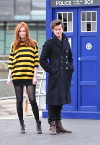 Matt Smith или Karen Gillan <3 and i would just faint......x_x <3 (i have no better picture -_-)