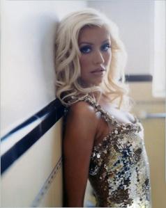 Michael Jackson isn't even my favorito artist... Anyway, it's Christina Aguilera.