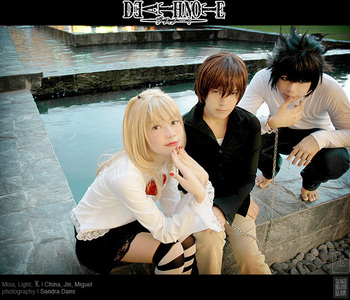 yes, I act alot like Misa Amane and do the insane, psychotic Kira Laugh frequently, and have started to deduce things like L. (Special treat[rare]! Death note cosplay! not mine though.)