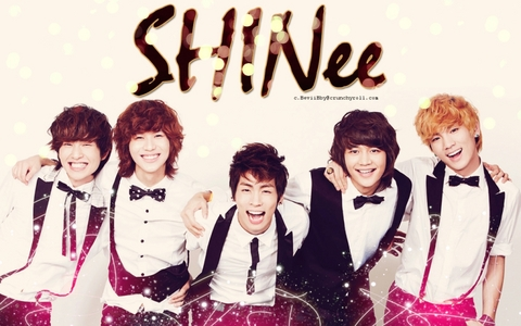 SHINee is my Idol!!! ...and justin bieber gets on my nerves.