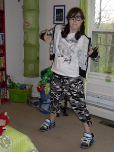 Here's a Zufällig pic of me and btw those are 3D glasses and I'm wearing boy clothes but the shoes are girl shoes! and btw you're pretty ^^