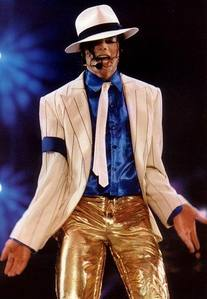 NO CHANGES!!!!!!!!!OMG!!!!!!!PERFECT GOLD PANTS...ARE GOOD LOOK AND IT'S ALL PERFECTLY VISIBLE...LOOOL!!!!NOTHING!!!!!!!!!
