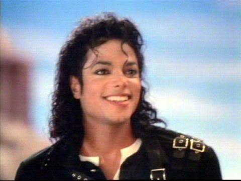 His Hair ,His eyes and his smile also his big giant 心 ♥.I 爱情 u Michael ♥