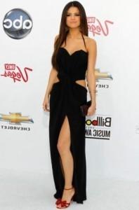 Платья знаменитостей на церемонии Billboard Music Awards 2011.