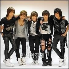 f.t. island i start listening their 음악 and it is great and i 사랑 lee hong ki