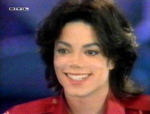 Which is the hottest picture te have of MJ from a televised interview?