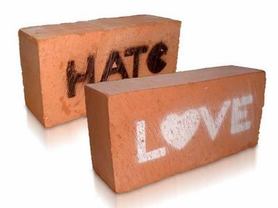 uhm cinta atau hate????