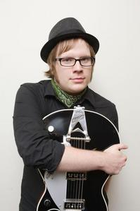 I admit I've detto this over 10 million times but..... PATRICK STUMP FOREVER AND ALWAYS!!!! :D HE'S MINE SO STAY AWAY o ELSE!!!!! >:D