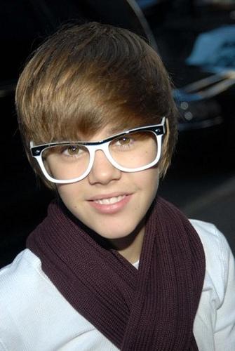 hehehhe white and nerdy!!! just how i like