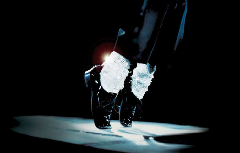 I don't like choosing but I choose ; . Moonwalk and as a person I choose ; . amor