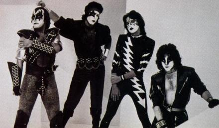 "I think All Ciuman albums have been underrated. I feel Paul Stanley is the most underrated singer and the whole band deserves lebih acclaim then they get. I do agree about ""The Elder"" I think there are alot of great songs on it, my kegemaran on it is 'The Oath'...but ther're all good songs!"