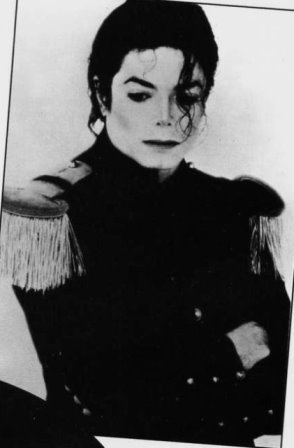 I've seen him look a lot sadder than that. He just looks deep in thought. He looks like he is far away not in the present.I love you Michael baby×××××