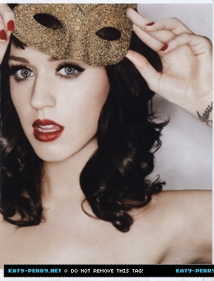 Katy Perry cause then I can say I kissed a girl and I liked it. x3 Plus, I just 愛 her.
