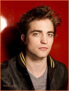 Rob doesnt go bởi looks he goes bởi personality so, i guess yeah :) But hes with kristen, no-one has a chance xD