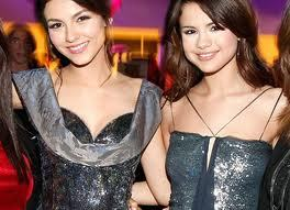 Selena is beautiful, but Victoria's hair is amazing, and she has the cheekbones of an angel! I like Victoria a lot और better!