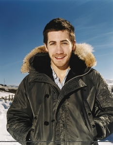 my crush is jake gyllenhaal.he is so perfect