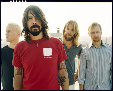 The picture speaks for me but i'll say it anyway... FOO FIGHTERS!!!!!!!