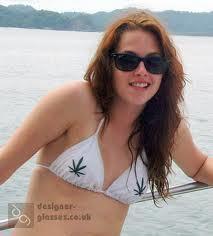 I l'amour her bikini here.
