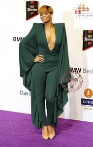 Rihanna !!!!