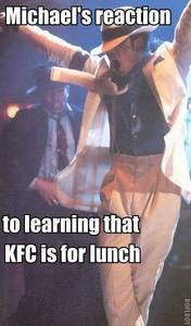 Oh boy I wish I knew so I'm gonna go with all the people that 発言しました Mexican Food. But I just think he loves KFC!!!