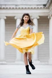 Here is Zendaya wearing yellow :)