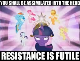 I have soooo much pictures of things from/about My Little Pony: Friendship is Magic <3