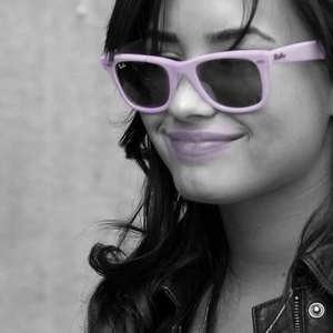 Demi Lovato <3 .. :) ,, i have 600 pics of her ..