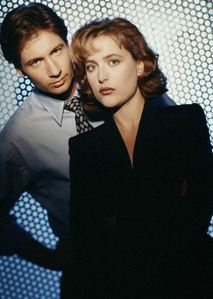 YES!!!!!!!!!!!!!!!!!!!!!!!! MULDER AND SCULLY BELONG TOGETHER!!!!!!!!!!!!!!!!!!!