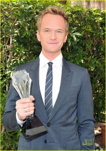 Actors: Neil Patrick Harris (photo) and Hugh Laurie Actress: Lisa Edelstein :)