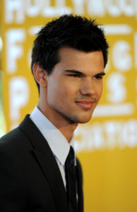 It would be Taylor Lautner and Alex Pettyfer.But I prefer Taylor Lautner more. lol