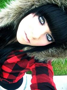 I don't know who this is but her eyes are really pretty