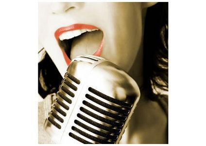 i would প্রণয় to sing im still in প্রণয় দ্বারা beyonce,im স্নেহ চুম্বন আপনি দ্বারা desiree, and everything to me দ্বারা monica :D