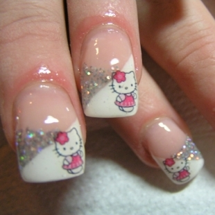 i like putting on fake nails and mostly like this kind
