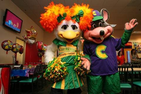 WHO IS THE COOL ONE, CHUCK E या HELEN?