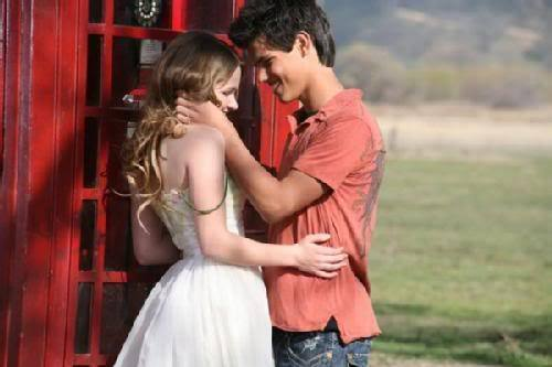 can someone tell me what show/movie/commercail this was because they Показать it a lot in renesmee and jacob fanfiction Видео
