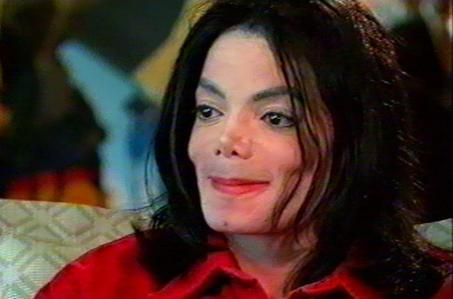 That horrible man made Michael cry. He kept pushing and pushing. Sweet innocent Michael unselfishly let this man into his life and Главная only to be betrayed and ridiculed. He dared to put Michael down RIGHT TO HIS FACE and Michael tried in vain to defend himself but to no avail. I get so f#####n angry I can't look at the p####k in the face. I would spit on him. Our beautiful Michael suffered pain and humiliation because of the way this bastard portrayed him. Justice will be served one день im hoping!! Любовь Ты forever Michael!!!