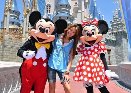 Disneyland!!! Miley Cyrus!!! here u go ;) ^_^